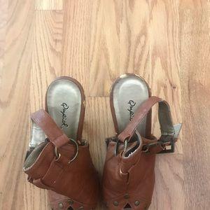 Qupid Leather Heels, Size 9